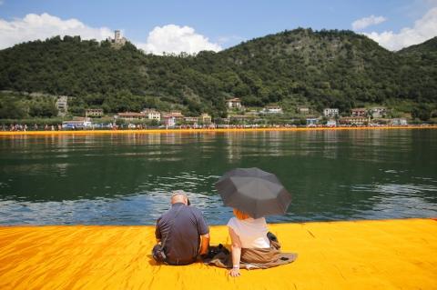 Le foto dell'installazione di Christo sul lago d'Iseo